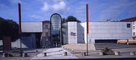 Aperçu de MUSEUM VAN OUDE EN HEDENDAAGSE KUNST