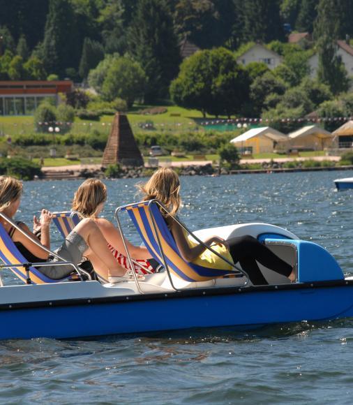 Pédalo sur lac de Gérardmer